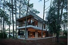 kleine mobile häuser argentinien ein betonhaus im wald architektur stadt