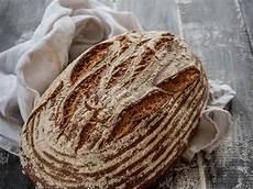 Brot Selber Backen Rezept - sauerteig brot selber backen rezept sauerteigbrot