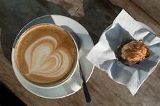 Gambar Kafe Kacang Cappuccino Jantung Hidangan