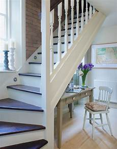 Farbgestaltung Flur Mit Treppe - use these bright ideas to light up your hallway the room