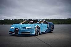Ein Lego Bugatti Chiron Mit Satten 5 3 Ps Aus 2 304