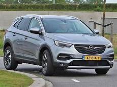 opel grandland x business executive 1 6 turbo 180 pk at8