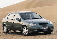 Opel Astra 2 0 2004 Auto Images And Specification