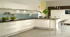 küche dunkler boden wei 223 e k 252 che dunkle arbeitsplatte heller boden