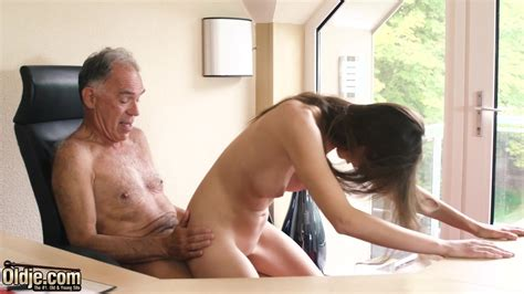 Biqle Porno
