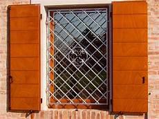persiane in ferro prezzo produzione vendita e istallazione di serramenti e infissi