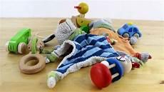 sinnvolles babyspielzeug ab 3 monate