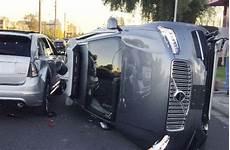 Nach Unfall In Arizona Uber Bringt Selbstfahrende Autos