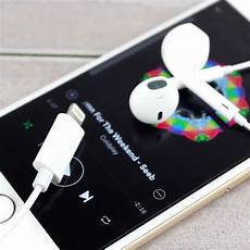 Iphone 7 Earpods Official Looking Iphone 7 Earpods With Lightning Connector