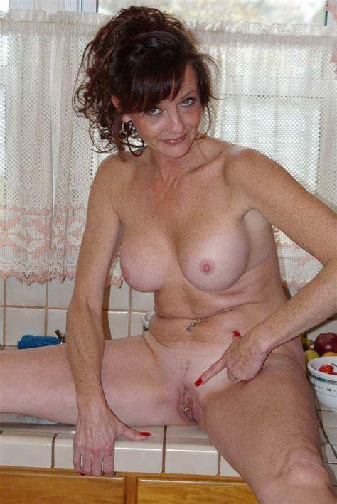 Sexy Upskirt Mature