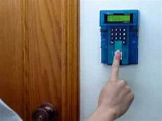 apertura porta impronta digitale accesso con impronta digitale iguard