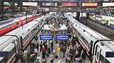 Der Hamburger Hauptbahnhof Steht Vor Dem Kollaps Hamburg