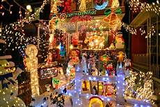 the 5 most outlandish holiday lights in toronto