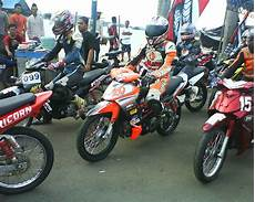 Modifikasi Motor Road Race by 40 Gambar Modifikasi Yamaha Jupiter Z Gaya Road Race