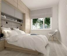 Betten Für Kleine Schlafzimmer - viele h 228 ngeschr 228 nke 252 ber dem bett f 252 r mehr stauraum