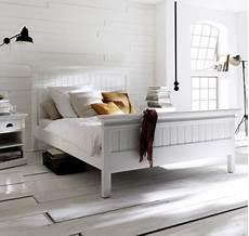 lit en bois blanc lit bois blanc collection leirfjord 160 x 200 lit