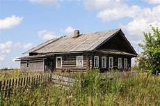 Altes Verlassenes Holzhaus Im Norden Russland