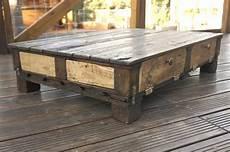 r 233 cup design table basse en bois de palettes de