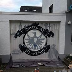 garage frankfurt bembel eintracht frankfurt bomber der blaue bock