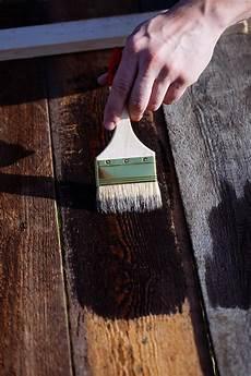 wasserfeste farbe aus kleidung entfernen holzschutzlasur aus kleidung entfernen mit bildern