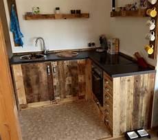 küche selber bauen aus europaletten k 252 chenm 246 bel aus aufbereiteten europaletten