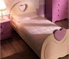 22 Furniture Design Ideas Bringing Unique Hearts Decorations Homes