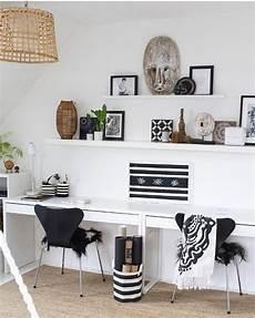 arbeitszimmer einrichten ikea ein arbeitsplatz f 252 r zwei im schwarz weiss look gepaart mit individuellen ethno accessoires w