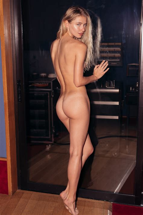 Julie Bowen Nude