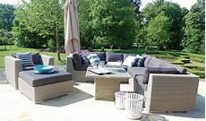mobilier de jardin design de luxe salon bas de jardin de luxe en r 233 sine tress 233 e 6 7 places