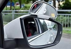 Toter Winkel Spiegel - mehr sicherheit im stra 223 enverkehr mit einem zusatzspiegel