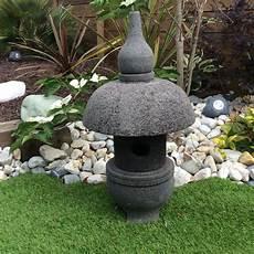 lanterne pour jardin lanterne jardin lanterne japonaise en de lave 55