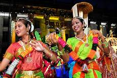 singapore the one stop solution to cultural experiences and shopping jon to the world travel