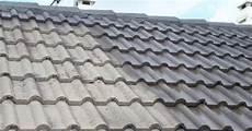 tuile beton prix le toit avec tuiles en b 233 ton sp 233 cificit 233 s avantages