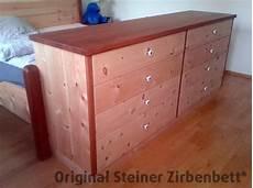 kirschbaum möbel kombinieren zirbenholz kommode bettanbau kombiniert mit kirschbaum