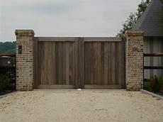 portail en bois installation de portail bois de qualit 233 maison portail