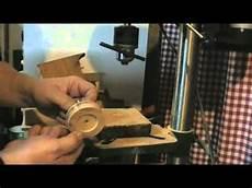 fabriquer une equilibreuse pour roue de voiture comment faire des roues de voitures pour jouet en bois en 5 minutes