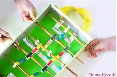 wm basteln kinder basteln mit kindern zur wm tischkicker aus schuhkarton