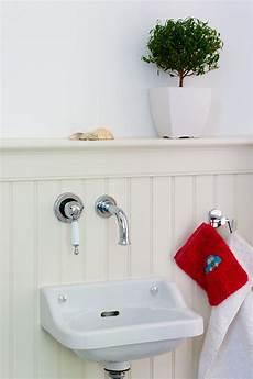 Badezimmer Wand Statt Fliesen - beadboard de holzwandverkleidung auch im badezimmer