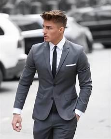 grauer anzug schwarzes hemd grauer anzug in tailored fit wei 223 es hemd und schwarze