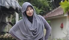 Modis Dan Santun Dengan Jilbab Lifestyle Jpnn
