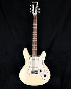 travis bean tb500 travis bean tb500 14 1976 white electrical guitar company reverb