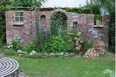 Ziermauer Im Garten - ziermauer fast fertig garten gartenmauern und