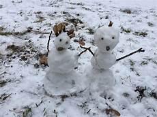 Malvorlage Schneemann Und Schneefrau Schneemann Und Schneefrau Kinderkrippe