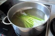 grüne spargel kochen gr 252 nen spargel kochen so gehen sie vor