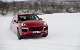 Porsche Cayenne GTS Et Turbo S 2016  Dynamisme