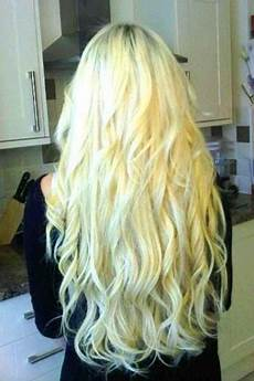 43 long blonde curly hairstyles blonde hairstyles 2020