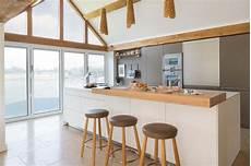 am 233 nager 224 la maison une cuisine moderne au design sobre