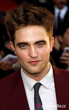 Robert Pattinson Hairstyle