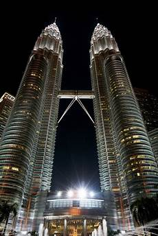 bid malaysia lights klcc kuala lumpur building malaysia photo free