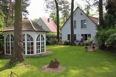 maison de jardin maison avec jardin et terrasse en bordure de for 234 t 224